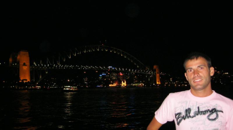 Puente , frente a la Opera .