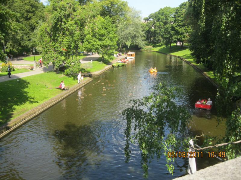 Bonito parque , en Riga .