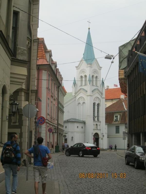 Por el centro turistico , en Riga .