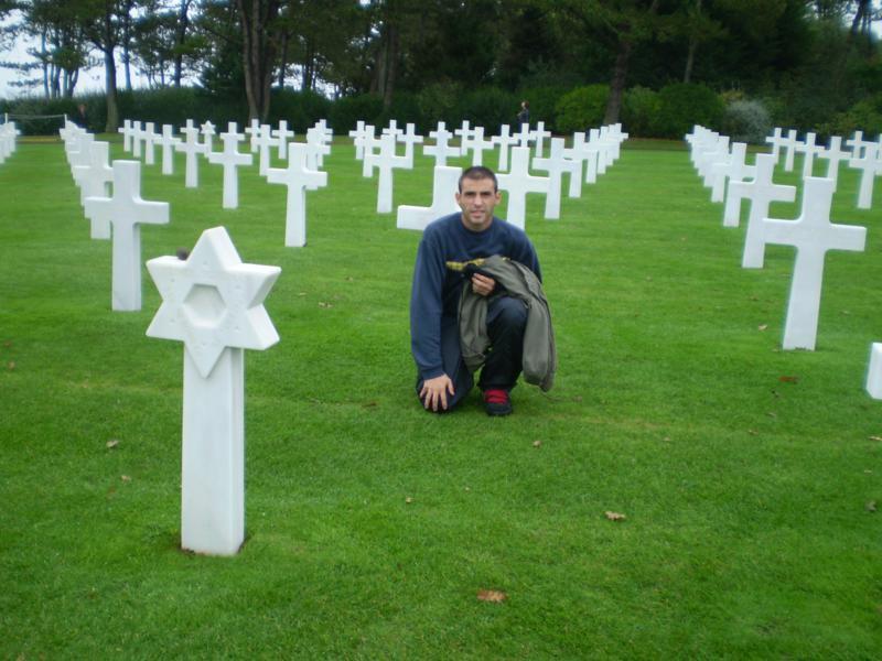 Cementerio , de Conmemoracion de Victimas de la II Guerra Mundial .