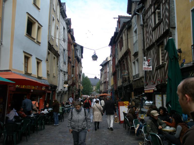 Paseando por el Centro Historico , en Rennes .