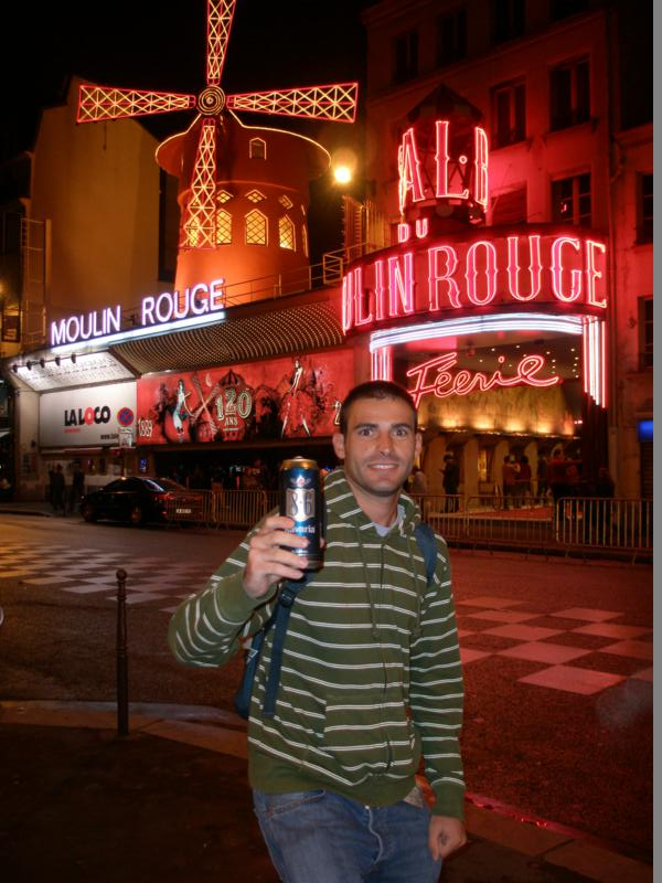 Moulin Rouge .