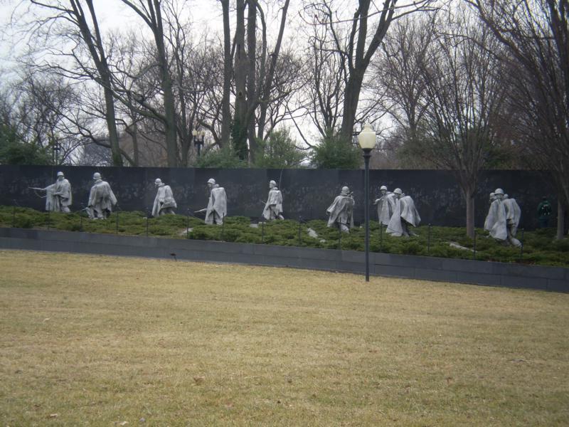 Memorandum a las victimas de la guerra .