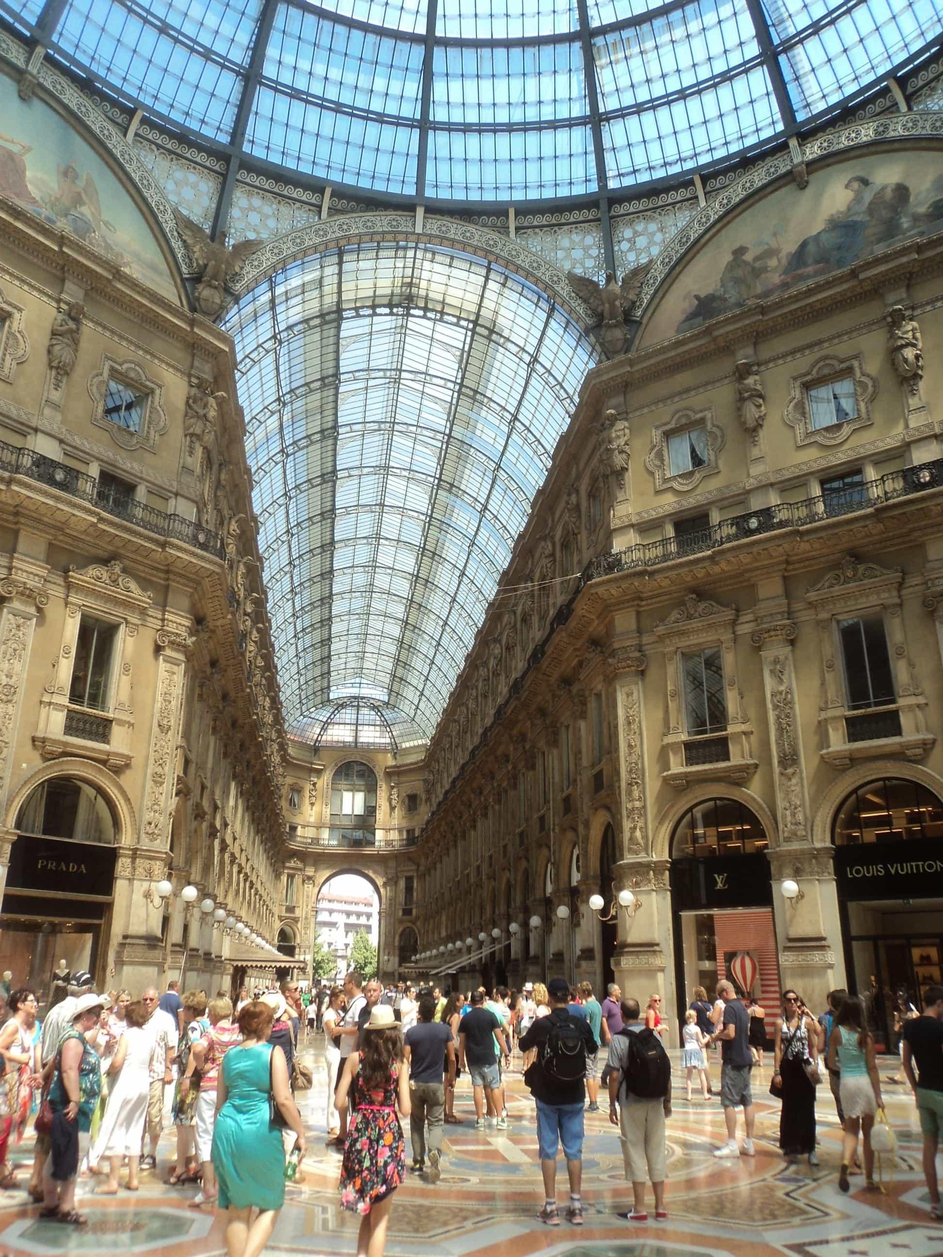 El Domo , en Milan .
