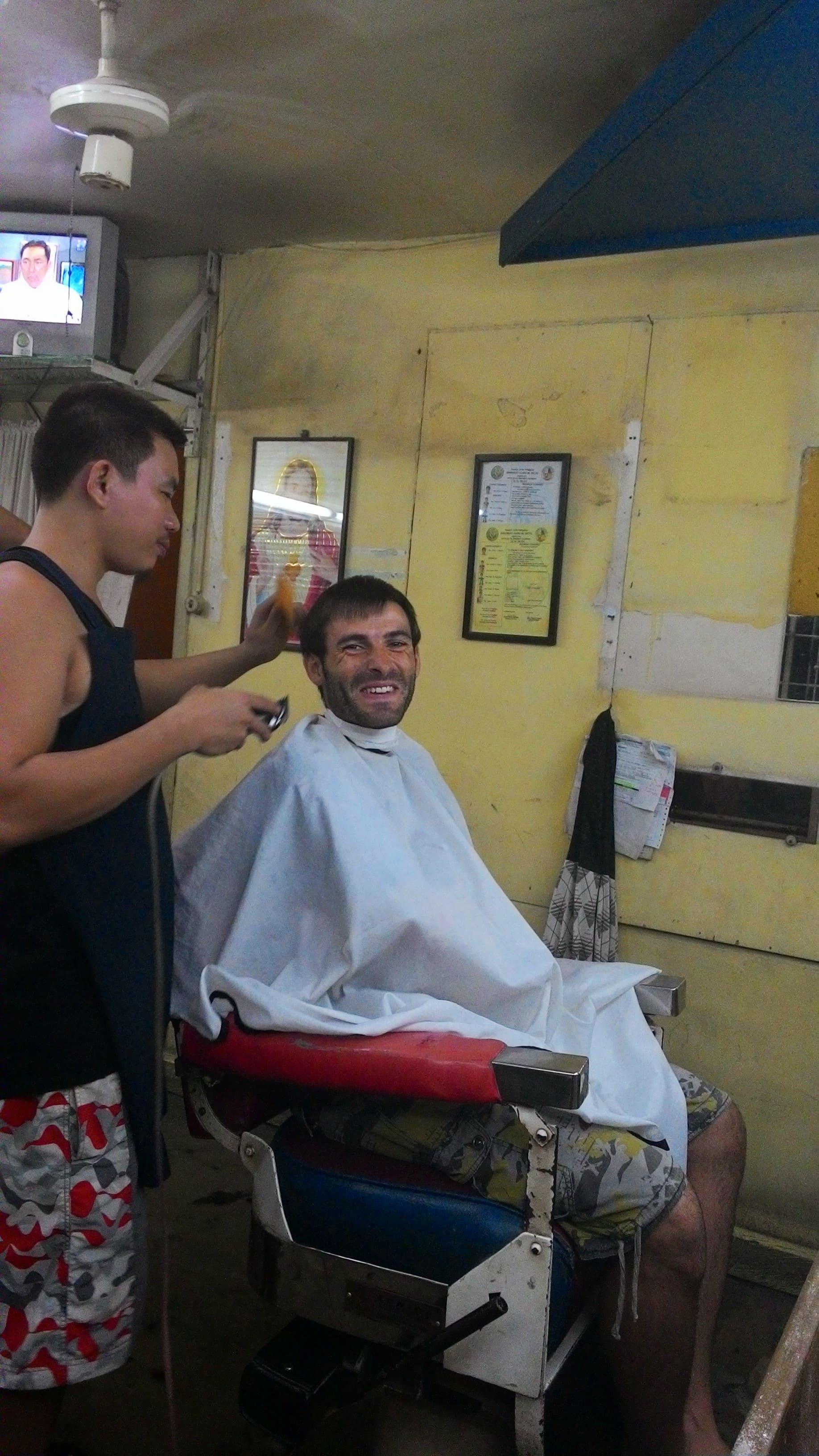 Corte de pelo ! Menos de  1 USD .
