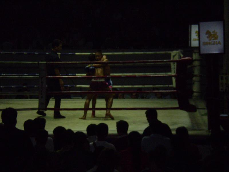 Travel Thailand in a low budget. Muay Thai.