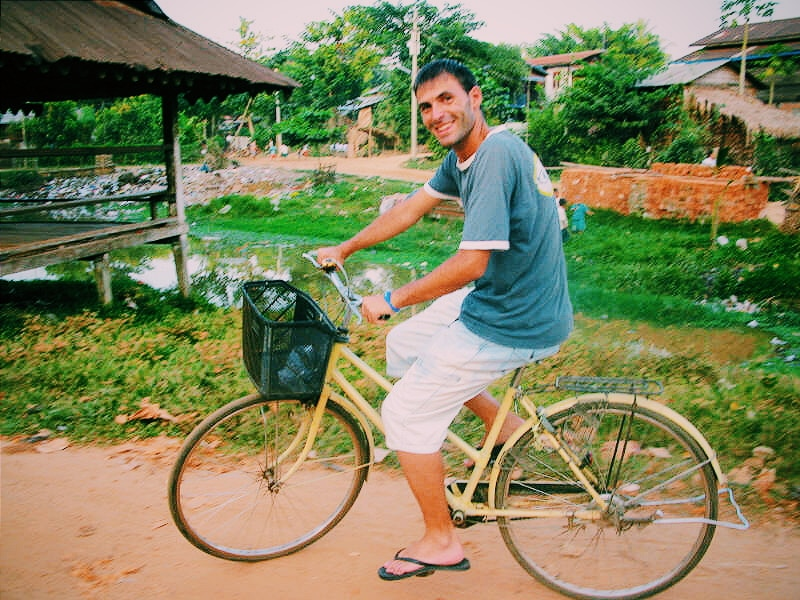 Cycling Bago. Travel Myanmar in a low budget