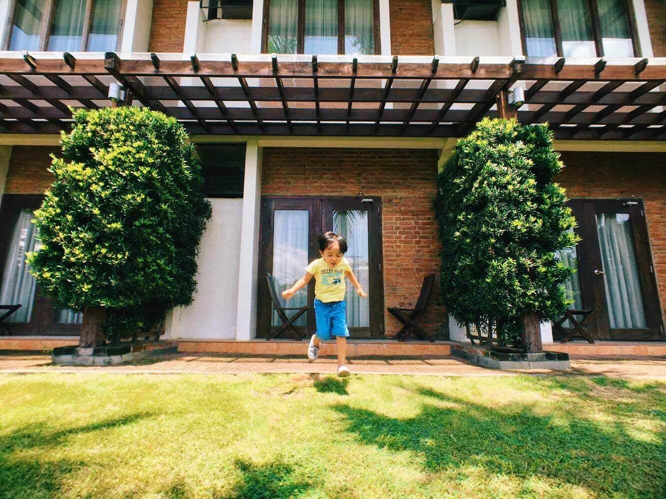 Garden at Mango Hotel.