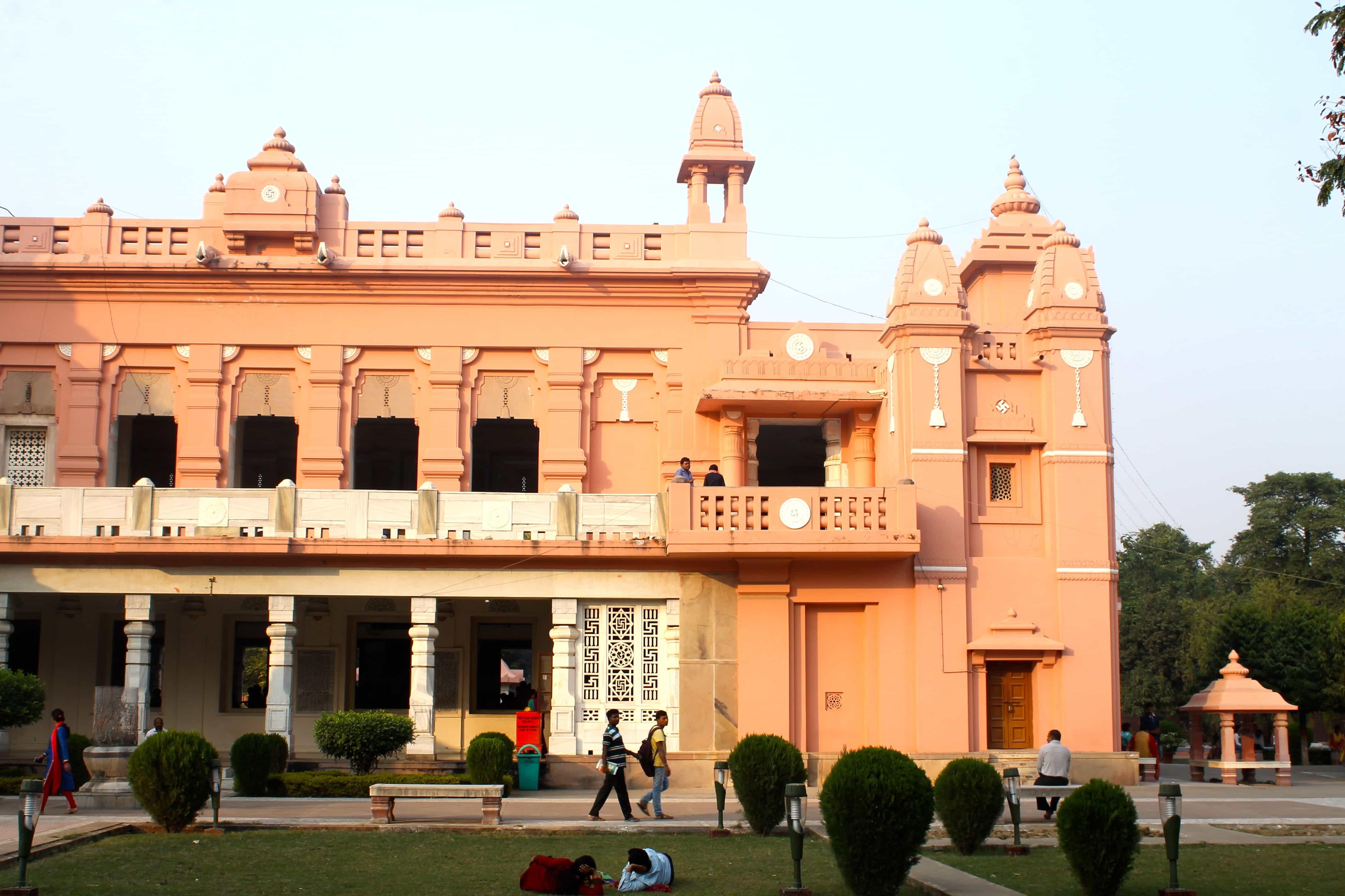 Must to visit backpacking Varanasi
