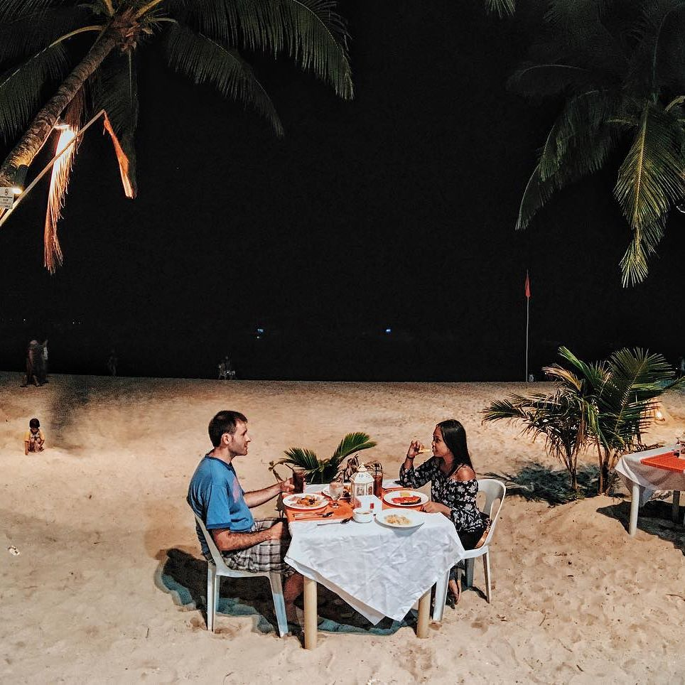 Romantic dinner things to do in Boracay
