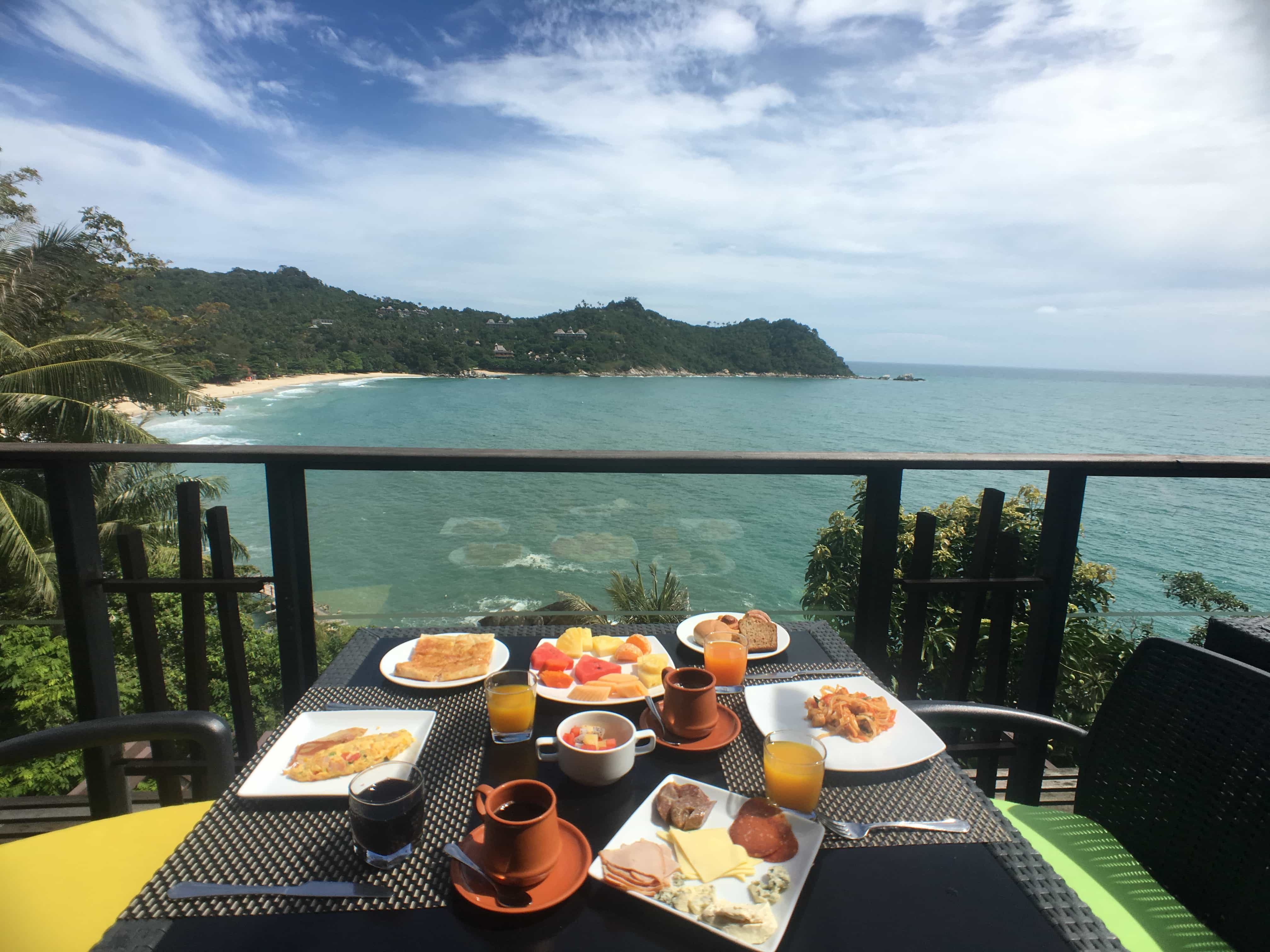 Visit Koh Phangan: Breakfast with a view