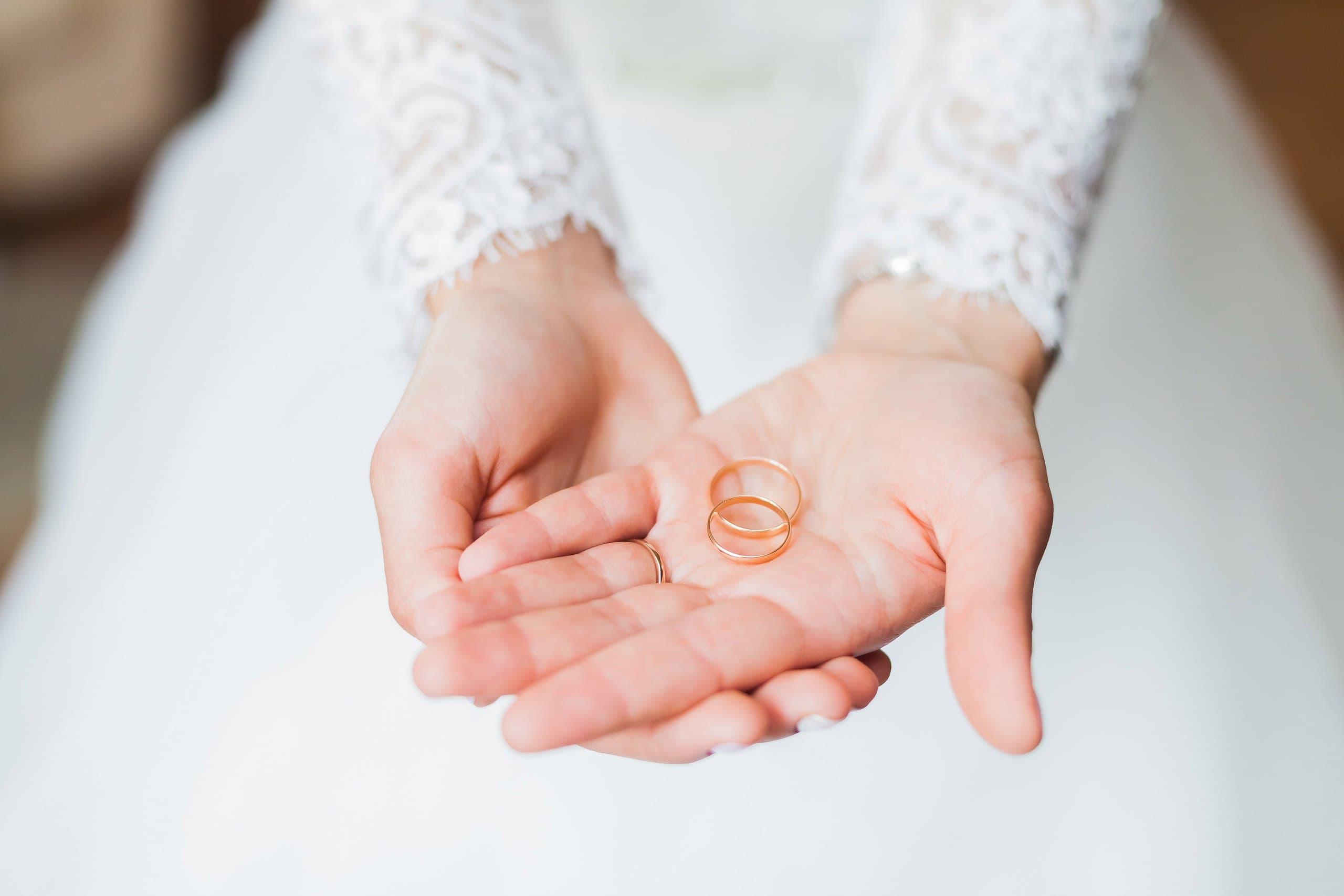 Golden Wedding Rings and Rare Talks