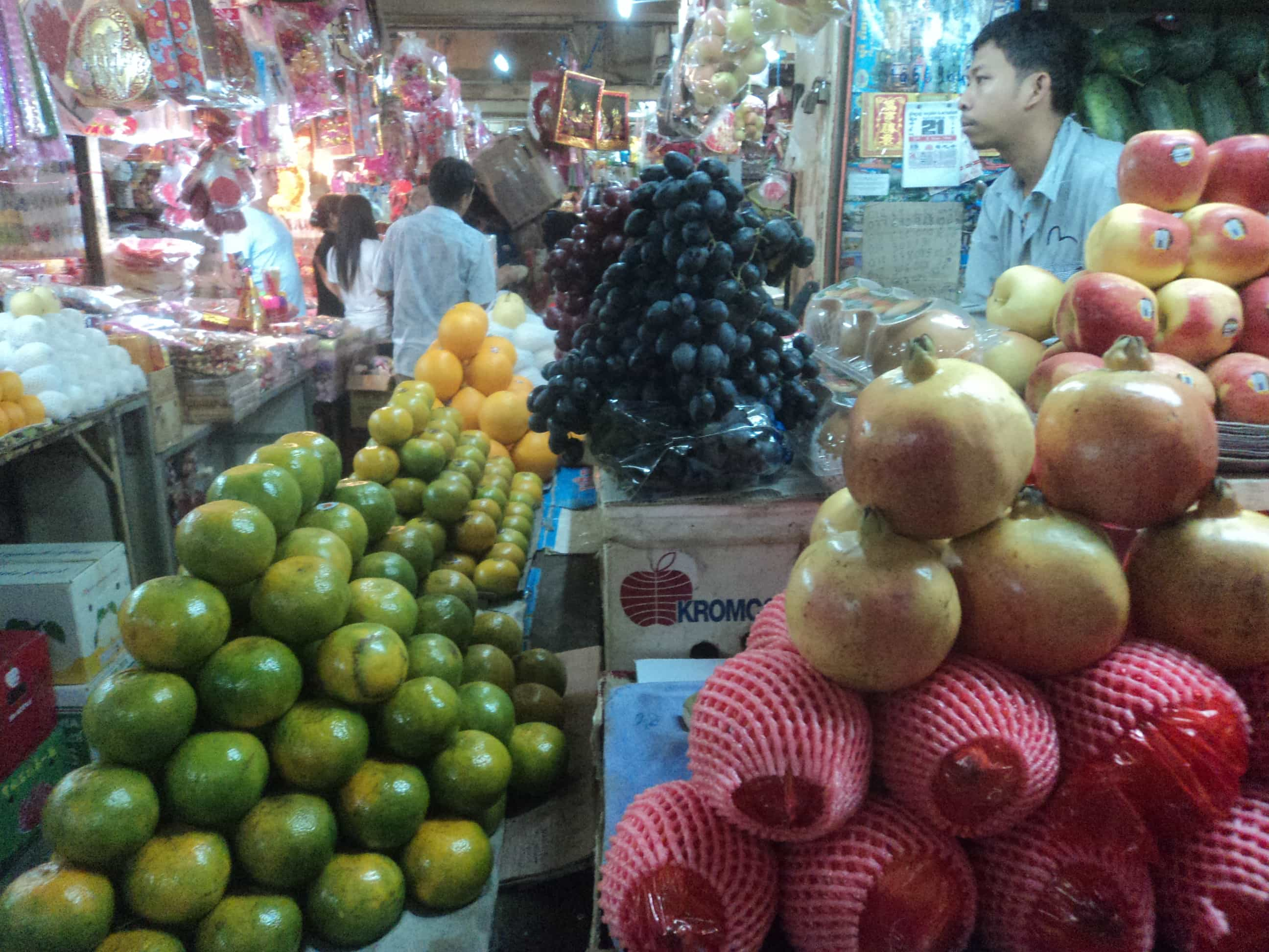 Visiting Phom Penh: Street markets