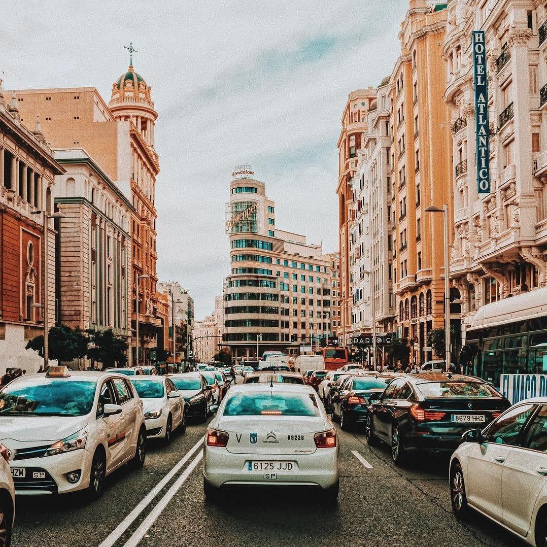 Traffic cycling around Madrid